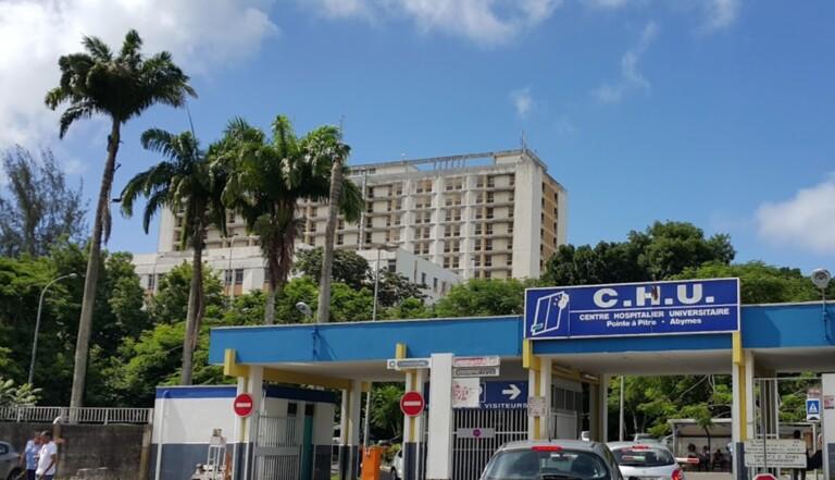 Fuites d'eau, pénuries, morts suspects : la Guadeloupe a droit à des hôpitaux décents (et on en est loin)