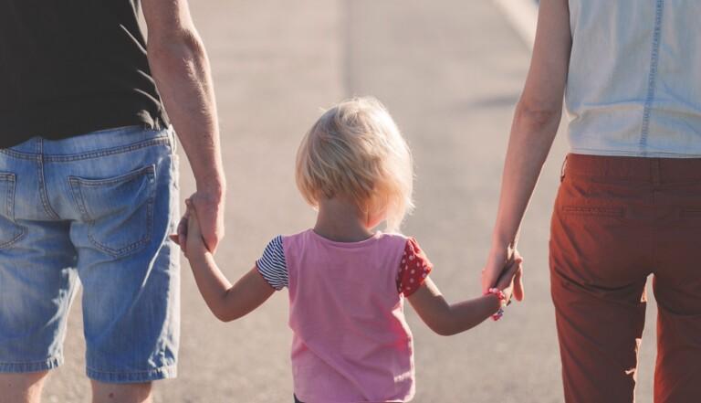 Parents Toxiques, le compte Instagram qui décortique les relations familiales qui font mal