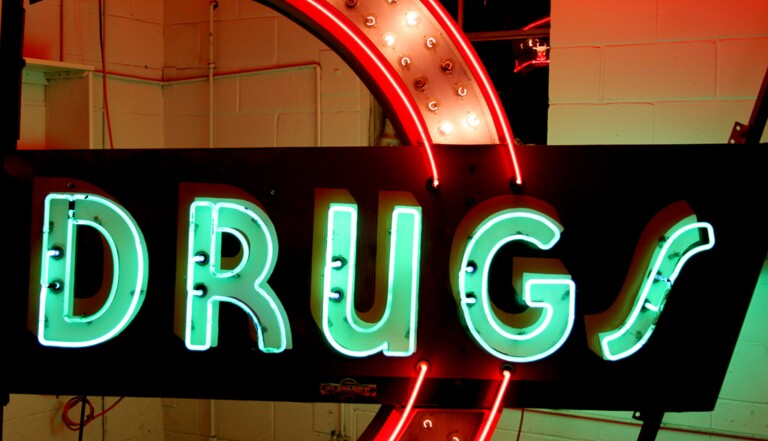 Patrick Pharo : «Les sociétés sans drogues n'existent pas»