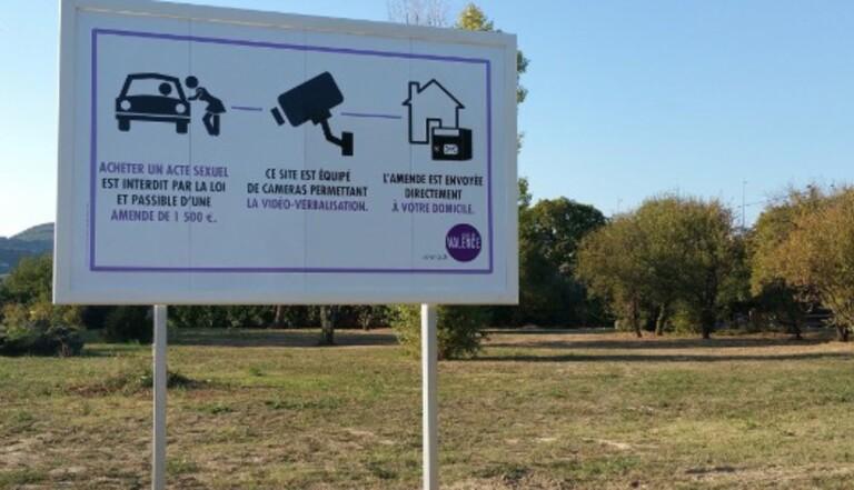 La ville de Valence installe quatre panneaux contre la prostitution