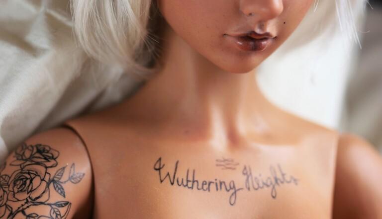 Des proxénètes polonais tatouent leurs prostituées