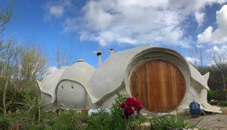 La Kerterre, ou comment construire sa maison de hobbit pour quelques centaines d'euros