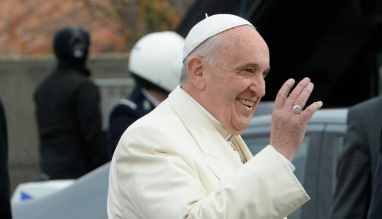 """Homosexualité : """"Il y a beaucoup de choses à faire par la psychiatrie"""", selon le pape François"""