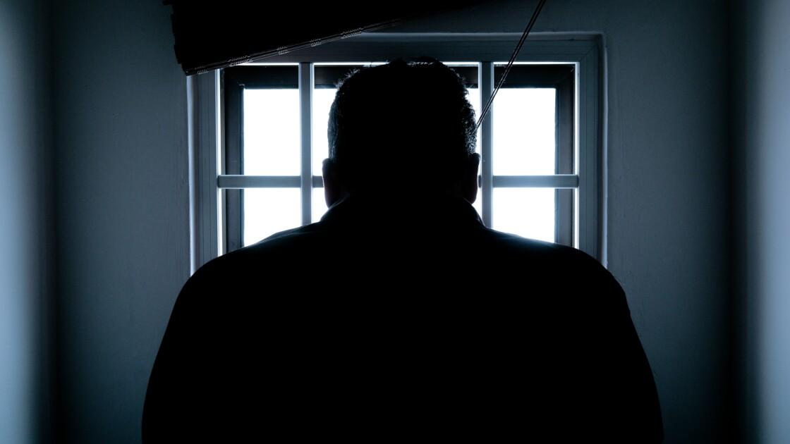"""Confession d'une femme de détenu : """"Je ne suis pas derrière les barreaux, pourtant je vis en prison"""""""