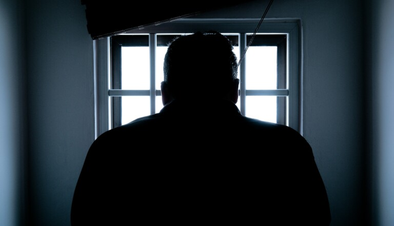 """""""J'avais l'impression d'être un criminel d'envergure"""" : arrêté pour homosexualité en Tunisie, Karim raconte"""