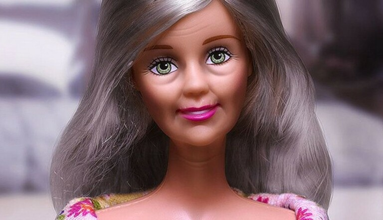 Barbie : derrière le sourire, la vieille fille