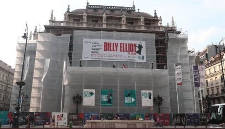 """Accusé de """"propagande gay"""", l'Opéra de Hongrie annule les représentations de Billy Elliot"""