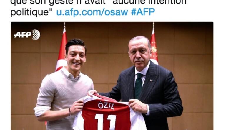 Foot : invoquant le racisme dont il est victime, Mesut Özil quitte la sélection allemande