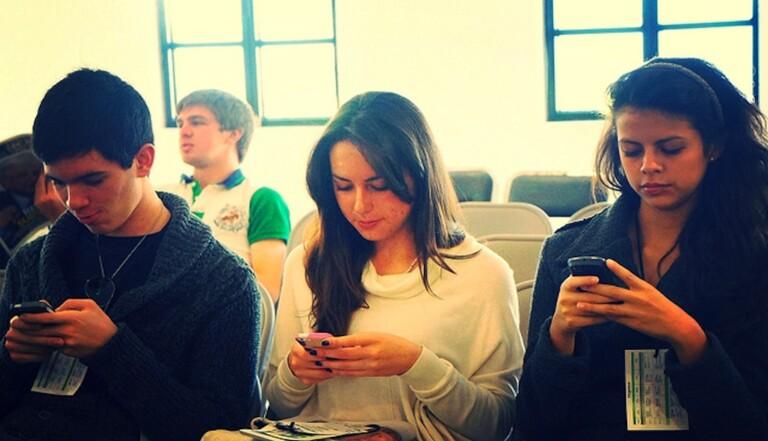 Regarder des vidéos sur smartphone augmente notre stress