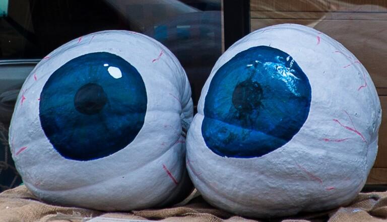 Les yeux clairs sont-ils plus sensibles au soleil ?