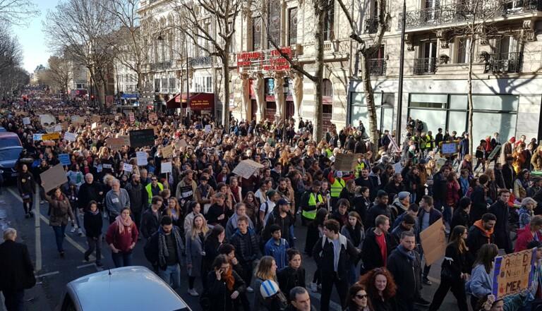 """Marche du siècle : """"Plus de pingouins sur la banquise, moins dans le gouvernement"""""""