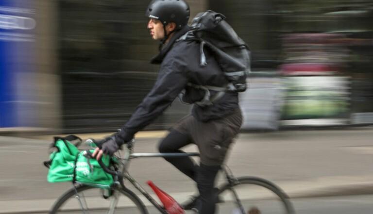 Je me suis fait embaucher comme coursier à vélo