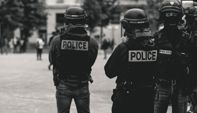 APPEL À TÉMOINS : Vous avez déjà subi un contrôle policier violent ou abusif ? Racontez-nous.