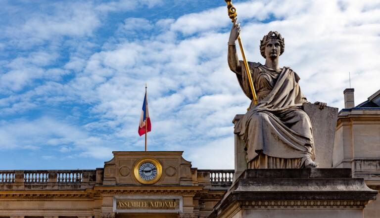 Proposition de loi sur l'allongement du délai d'IVG : « On est en retard et des femmes partent à l'étranger », alerte la députée Albane Gaillot