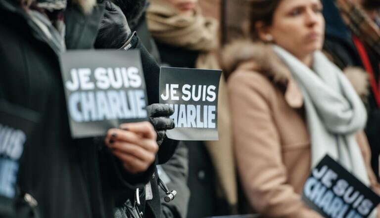 """Attentats de Charlie Hebdo : """"Pendant un mois, je me suis sentie engluée en moi-même"""" – nos lecteurs témoignent"""