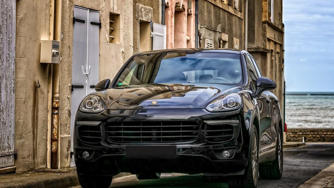 Les militants d'Extinction Rébellion dégonflent les pneus de 220 voitures dans les rues de Bordeaux