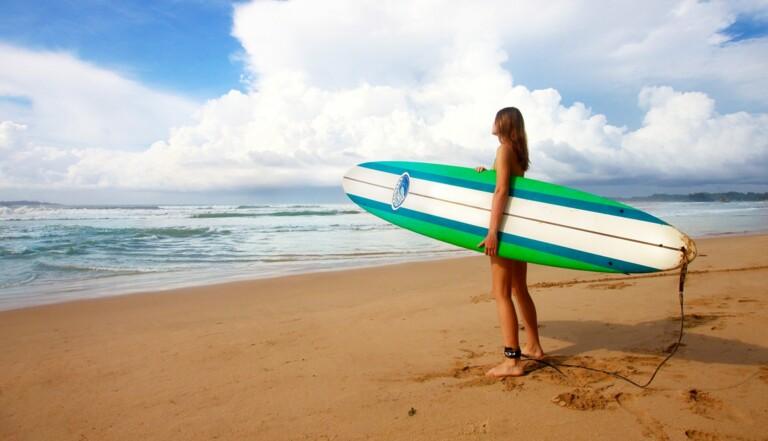 Les surfeurs en colère bravent le confinement... avec un certificat médical