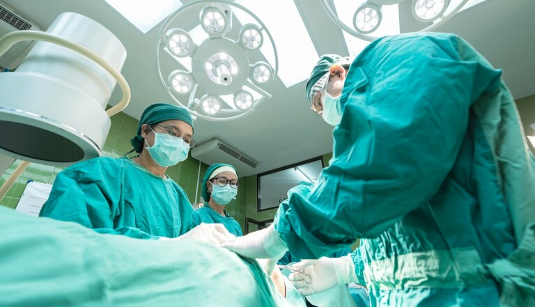 Italie : un pianiste au bloc opératoire pour accompagner les chirurgiens