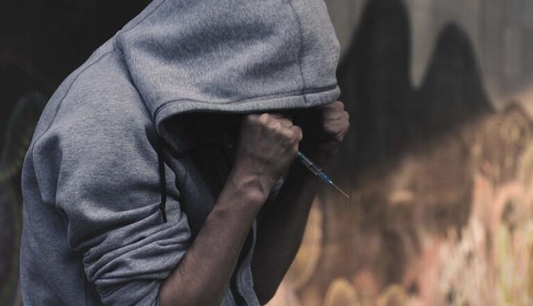Faut-il légaliser toutes les drogues ? 3 experts répondent