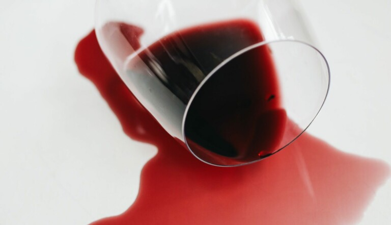 Caricature sexiste, cyber-harcèlement : le monde du vin a-t-il un problème avec les femmes ?
