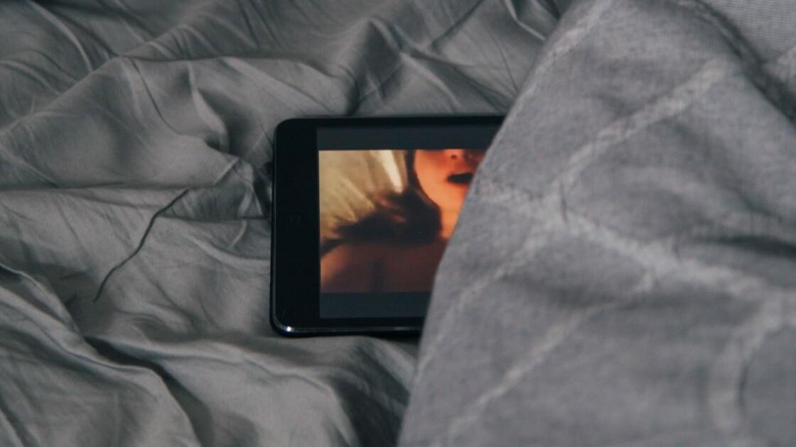 Porno dépendance : le confinement fait-il exploser l'addiction à la pornographie ?