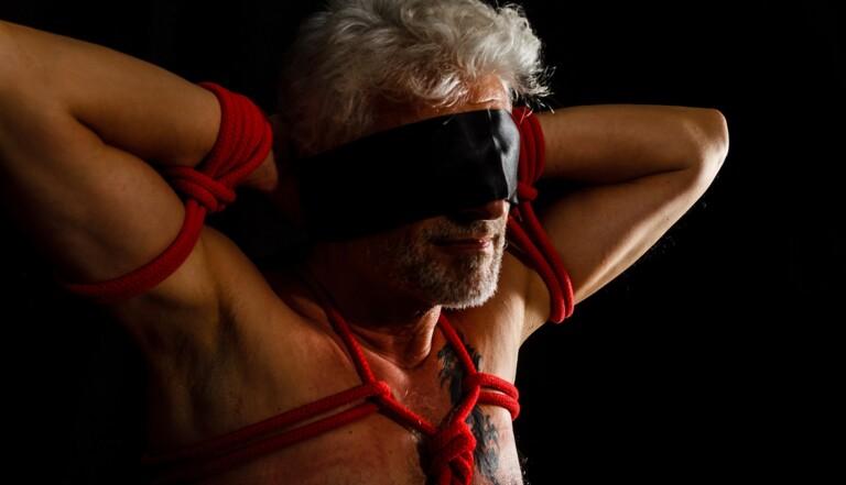Qui sont les hommes soumis dans le BDSM ?