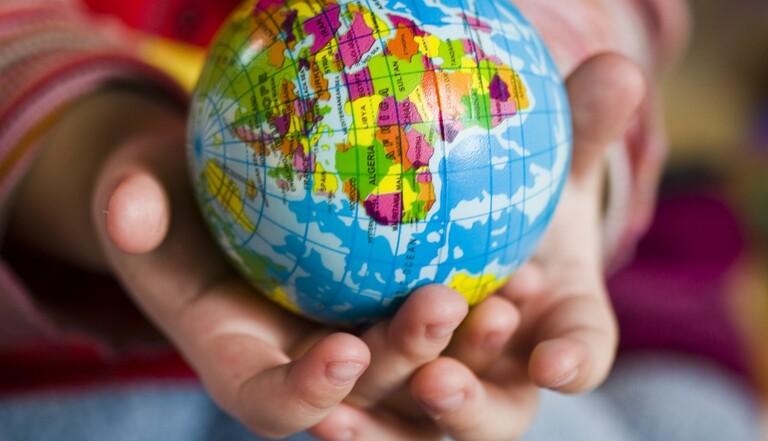Adoptions illégales à l'étranger : une pétition pour l'ouverture d'une enquête parlementaire