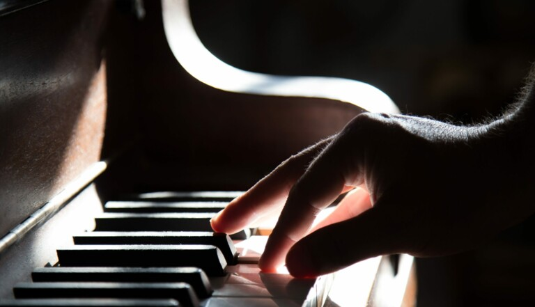 Musique: Annabel Bennett, pianiste émérite, s'est fait passer pour un homme pour booster sa carrière