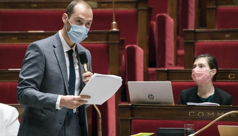 """""""Les chasseurs me disent qu'ils s'en souviendront pour 2022"""" – Entretien avec Dimitri Houbron, le député violenté lors d'une chasse à courre"""