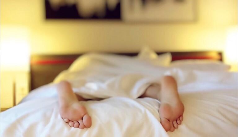 Rattraper ses heures de sommeil manquantes le week-end, c'est bon pour la santé