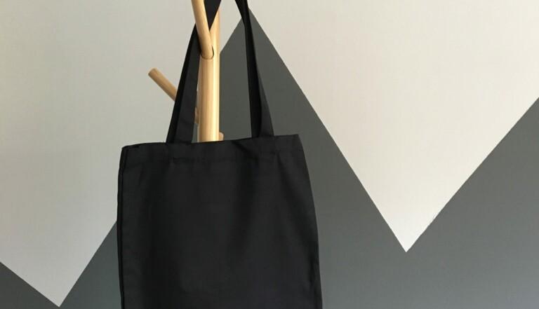 Le tote bag, plus polluant qu'un sac plastique ?