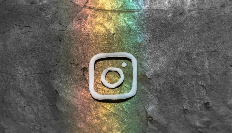 Pride Month : Instagram propose (enfin) de nouvelles options pour choisir son genre et lance les rainbow stories