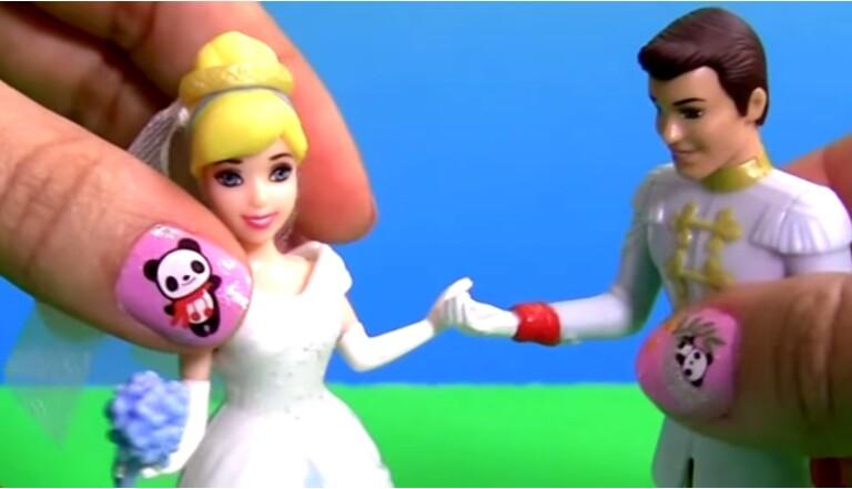 Métier chelou : Déballeuse de jouets sur YouTube