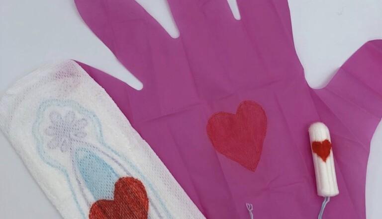 """Ils créent des gants menstruels roses pour permettre aux femmes de jeter """"proprement"""" leurs protections, et se font dézinguer"""