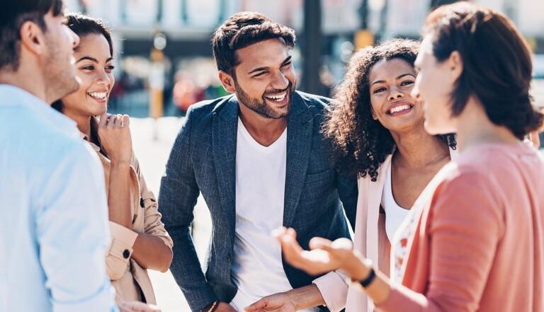 Les commérages sont bénéfiques pour le lien social et la confiance dans le groupe