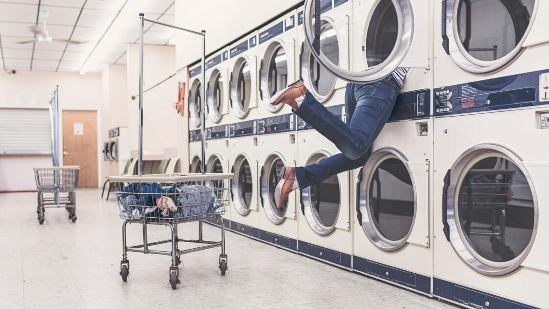 Faut-il arrêter de laver ses vêtements pour sauver la planète?