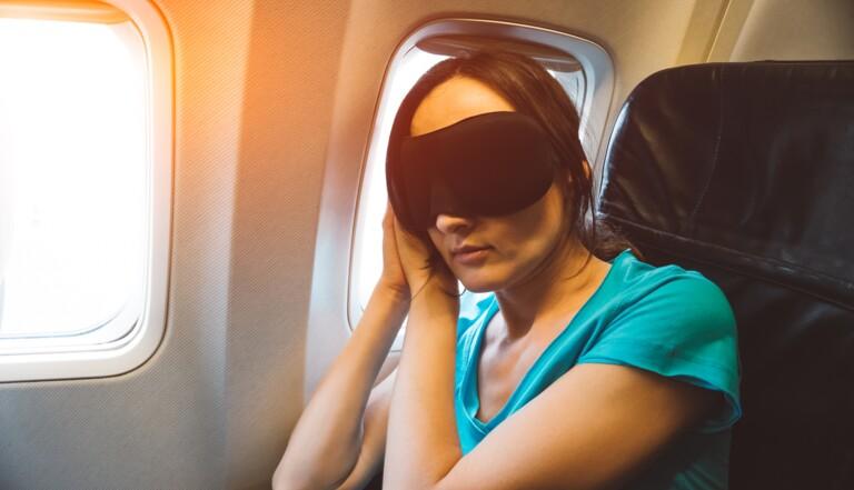 """Le """"jet lag"""", bientôt de l'histoire ancienne grâce à un implant ?"""