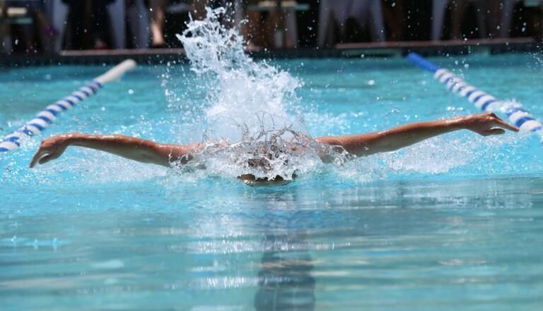 """La nageuse australienne Maddie Groves renonce aux JO à cause des """"pervers misogynes"""" dans le sport"""